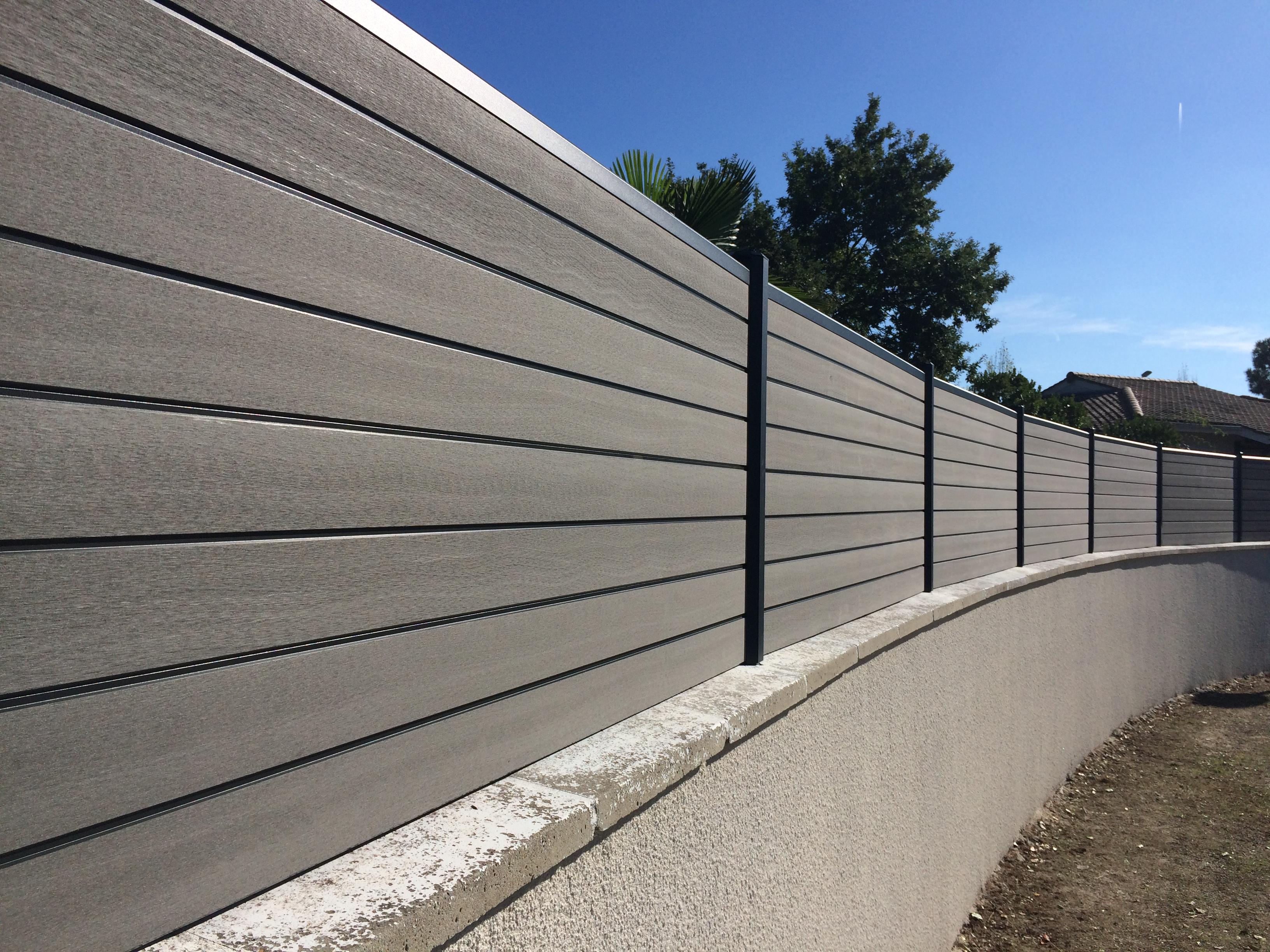 Cloture Bois Hauteur 2M50 fourniture & pose clôture en bois composite à gujan mestras (33)